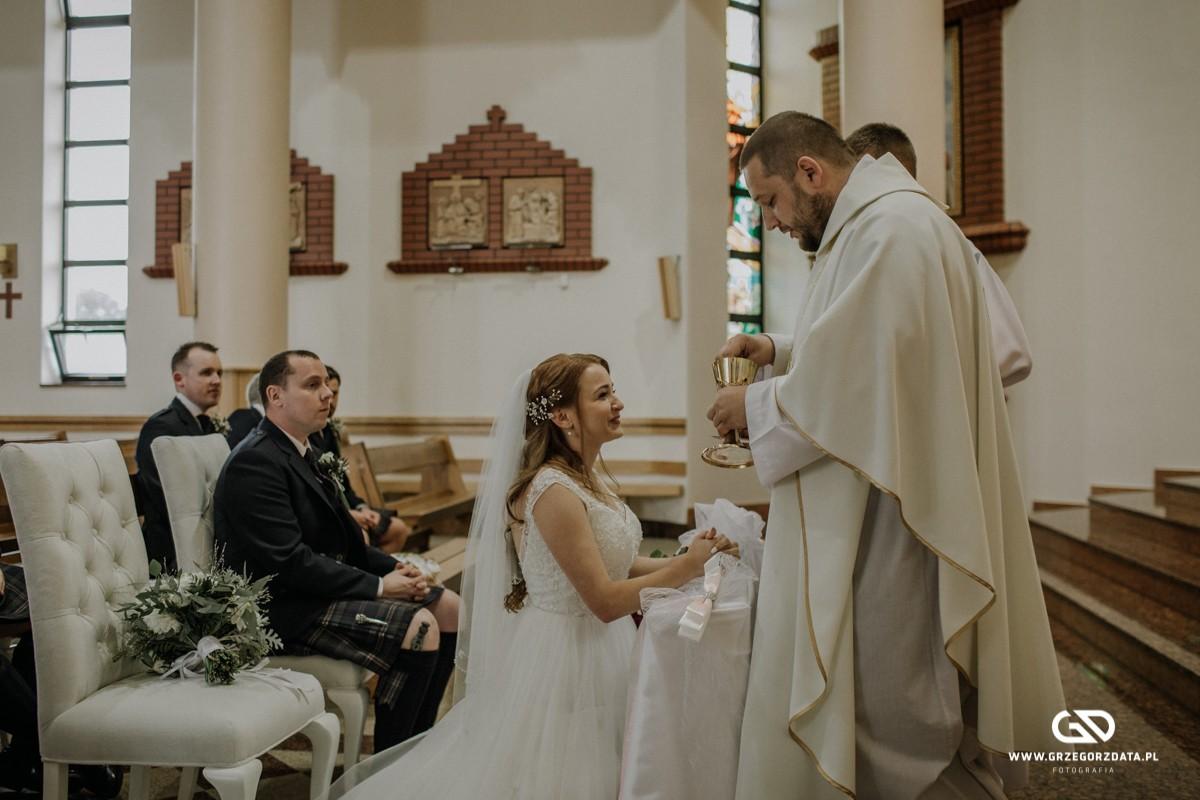Beata i Mark  - ślub polsko- szkocki. Fotograf Tarnów 31